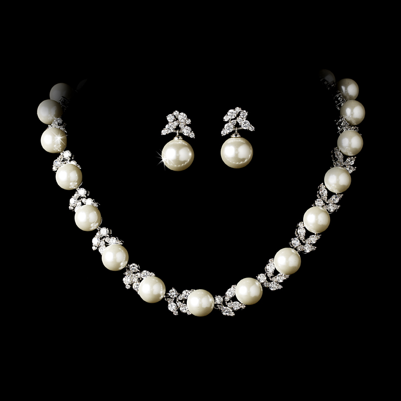 Wedding Jewelry Pearl Sets Bridesmaid sets Bridesmaid Gifts Bridal Earrings Bridesmaid Earrings /& Necklace Mother of the bride