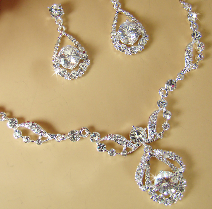 ELEGANT DIAMANTE BRIDAL JEWELRY SET Silver Rhinestone Necklace